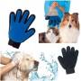 Перчатка для вычесывания шерсти животных Тру Тач (True Touch)