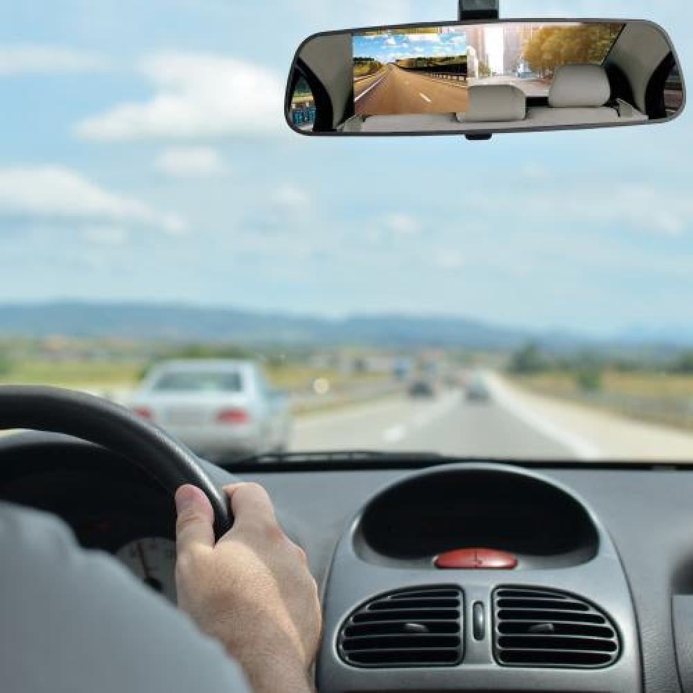 Зеркало заднего вида со встроенным видеорегистратором